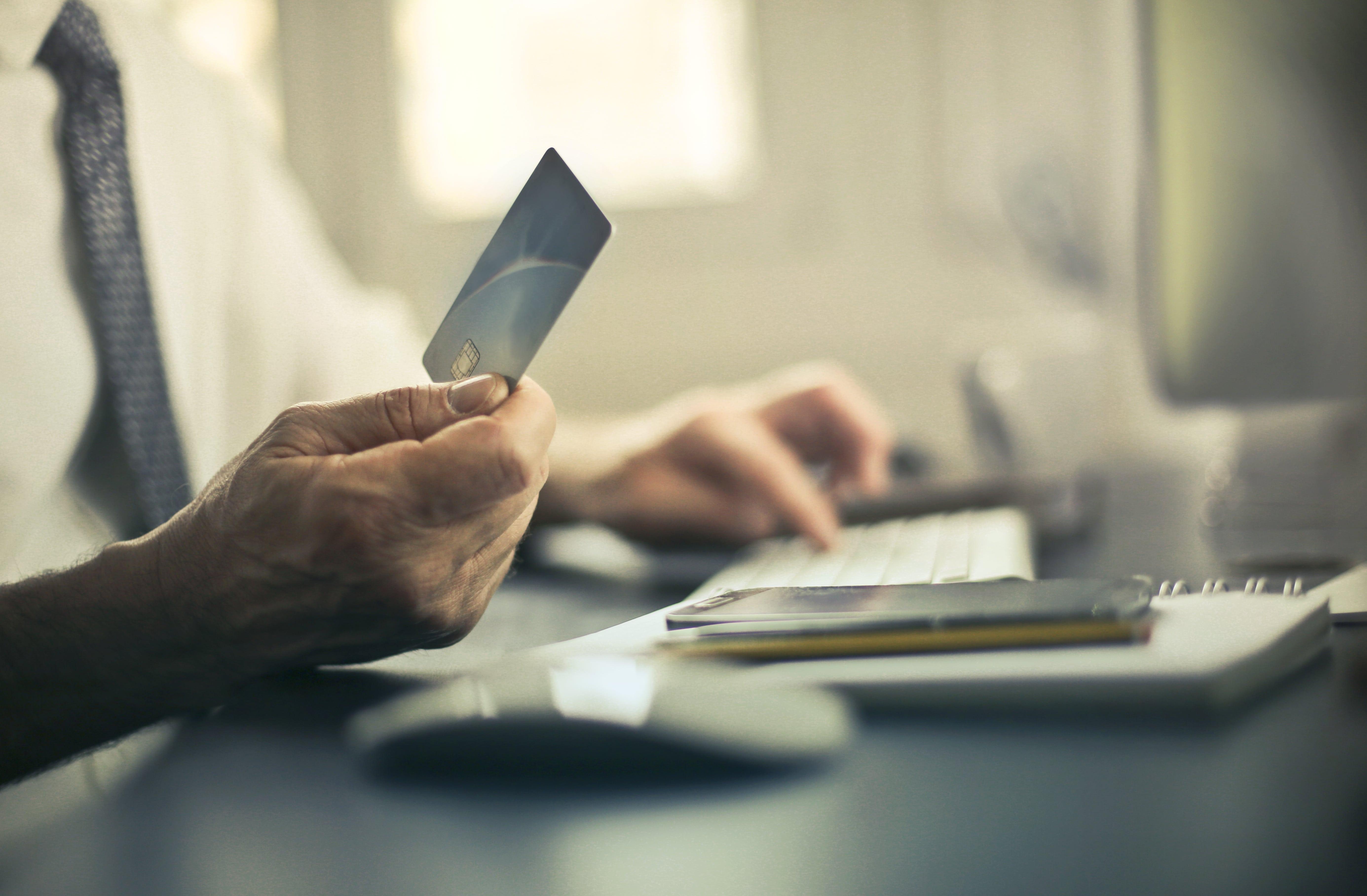 For deg som driver en WooCommerce nettbutikk er sikkerhet viktig. Det kan få store økonomiske konsekvenser for deg om nettbutikken din utsettes for datakriminalitet. Derfor tipser vi deg om fire nyttige ting å for deg som driver nettbutikk.