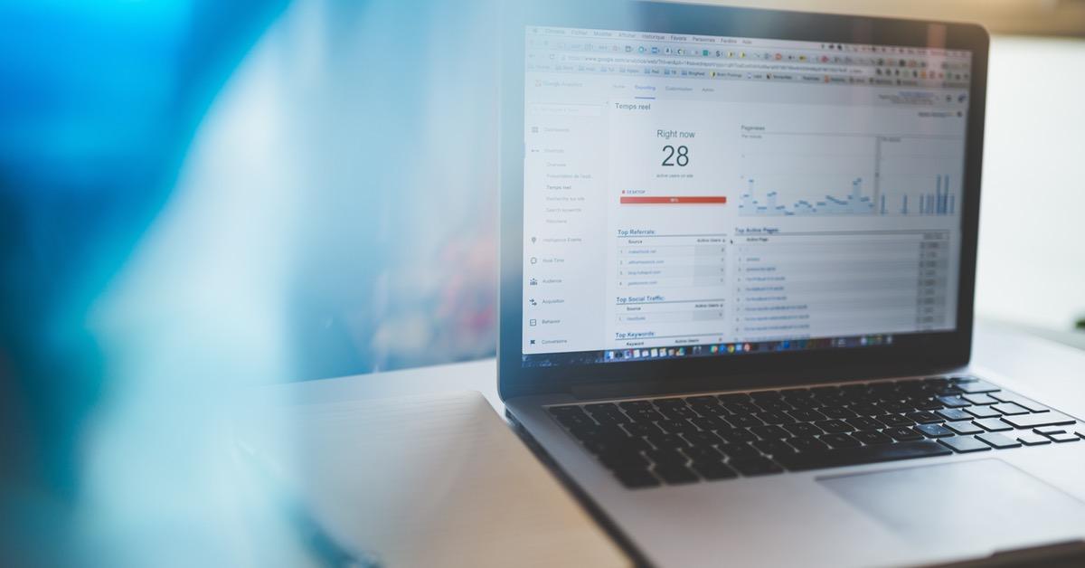 Det holder ikke kun å bruke sosiale medier for å drive trafikk til nettsiden din. Du må også optimalisere søkemotorer for å drive denne viktige trafikken.