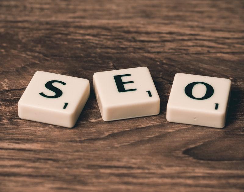 Det er viktig jobbe systematisk med søkeordoptimalisering for å skape større trafikk til nettsiden din.